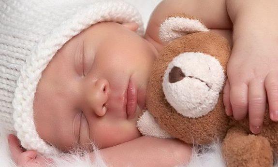 Vídeo sobre higiene del sueño en los bebés